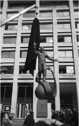 Photo of Unveiling of Yury Gagarin's Statue in London